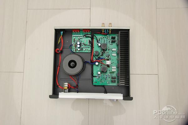 前级电路是小信号输入,音源切换和电子音量调整等前级放大器.